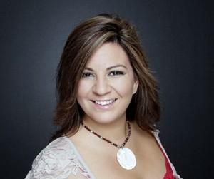 Adriana De Anda,: