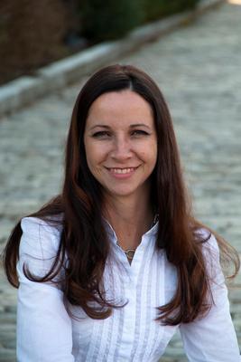 Kari Carlile,ABR:Residential; New Construction